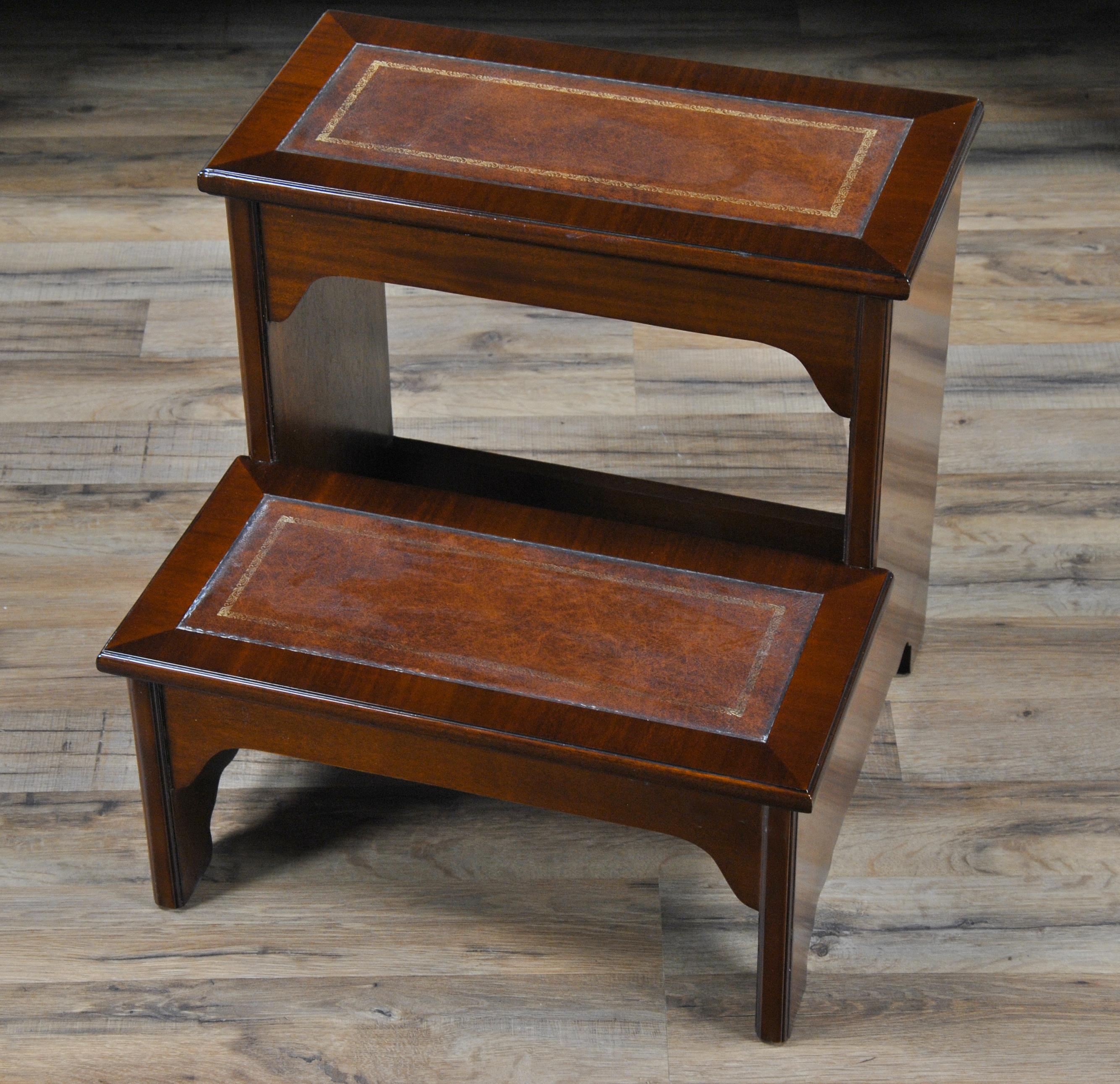 Home / Furniture / Bedroom / Leather Bed Steps :: NBR038