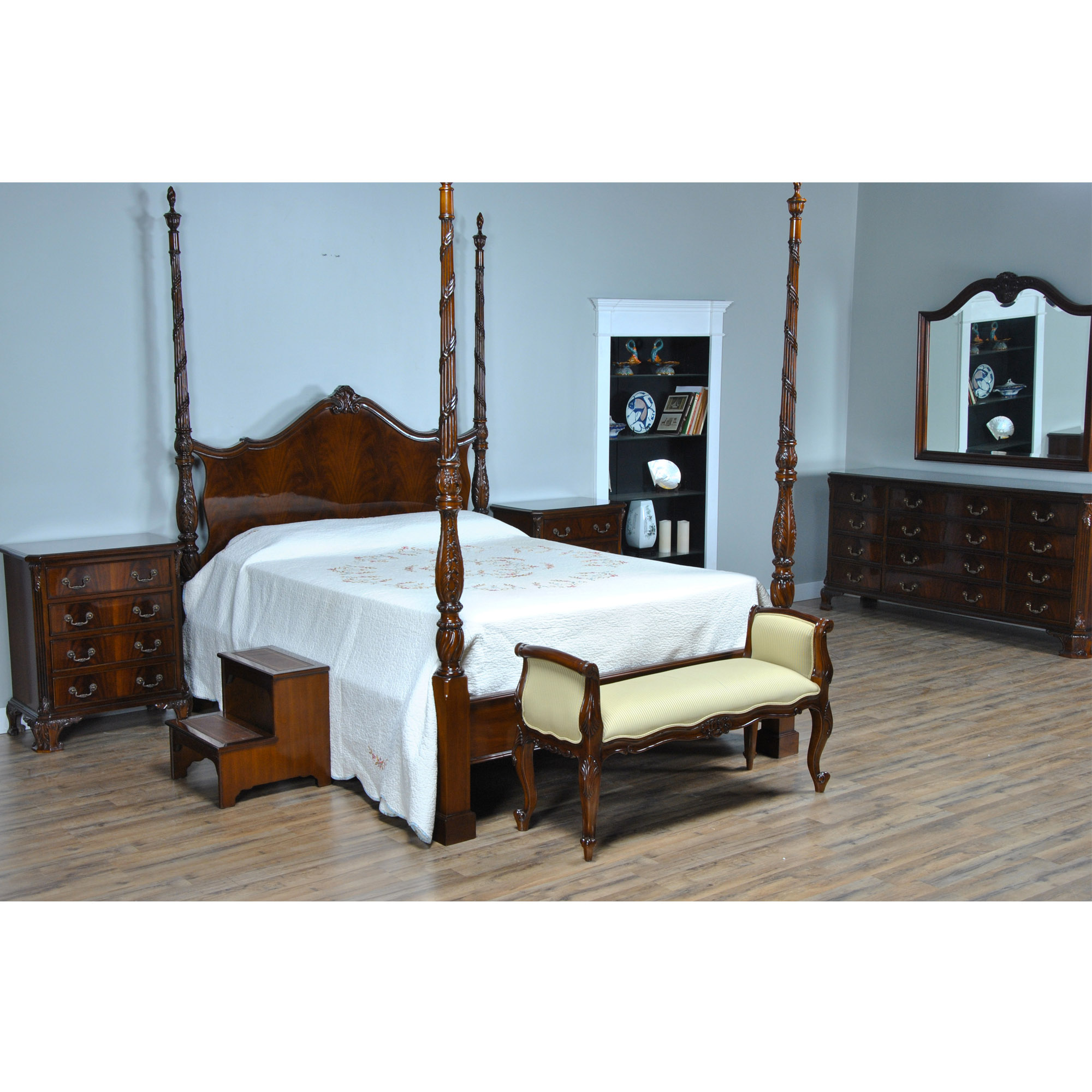 mahogany queen size four poster bed nbr019q. Black Bedroom Furniture Sets. Home Design Ideas