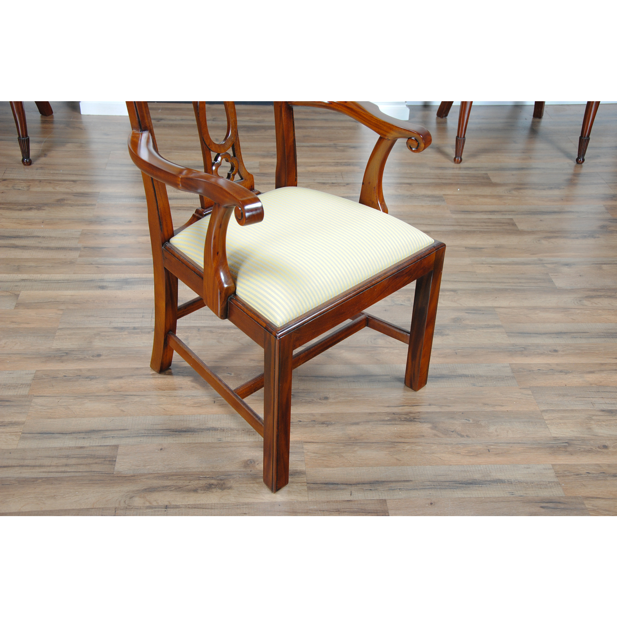 Ashley Furniture Slc: Country Chippendale Arm Chair, Niagara Furniture, Solid