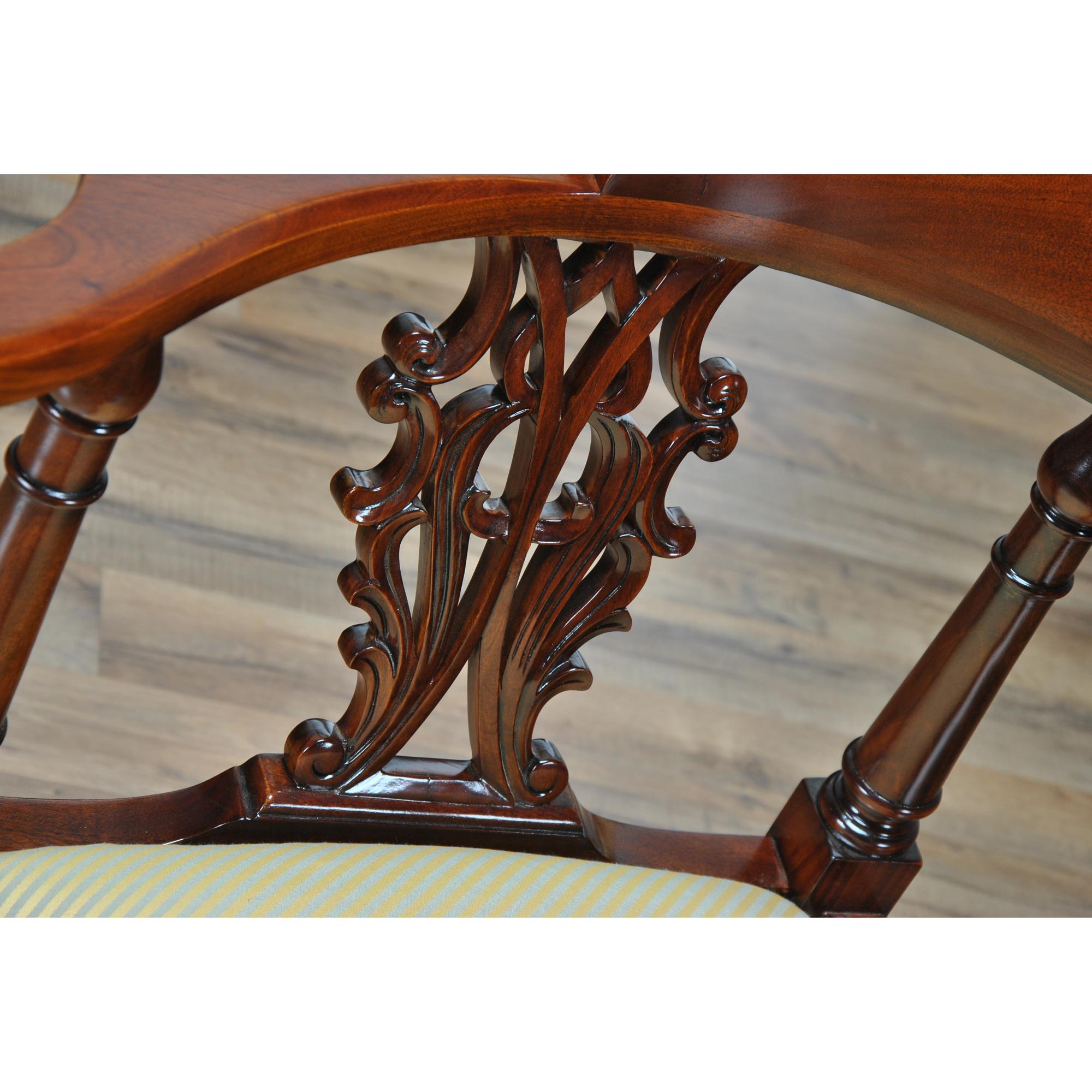 Large Corner Chair :: NLR076