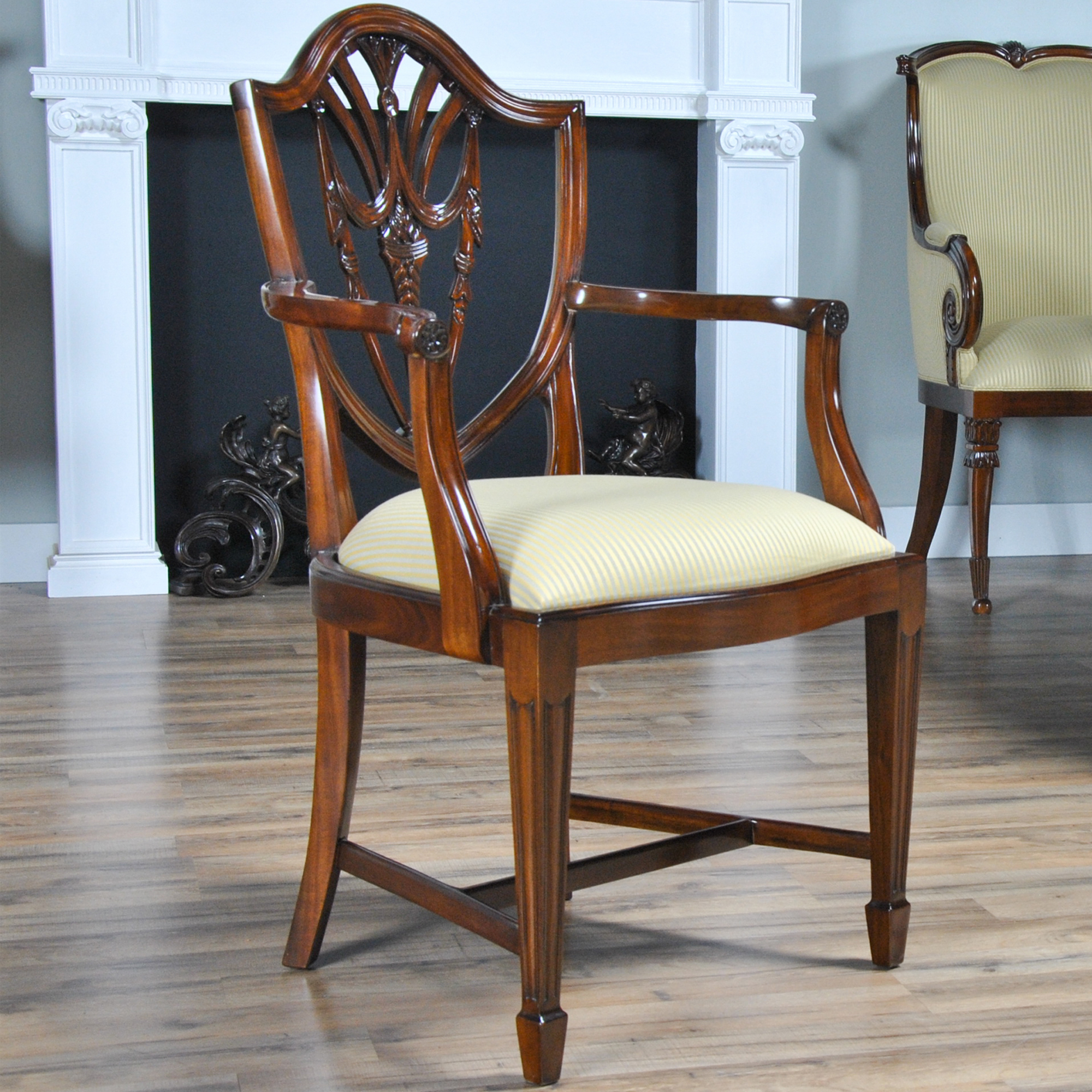 Shield Back Dining Room Chairs: Drape Carved Shield Back Chairs, Set Of 10, Niagara Furniture